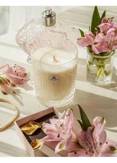 Sweet Sandalwood Crystal Candles Scented Soy Candles Gustav regular